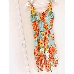 Dresses & Skirts - Gorgeous Floral Dress